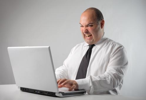 negatywne opinie w sieci
